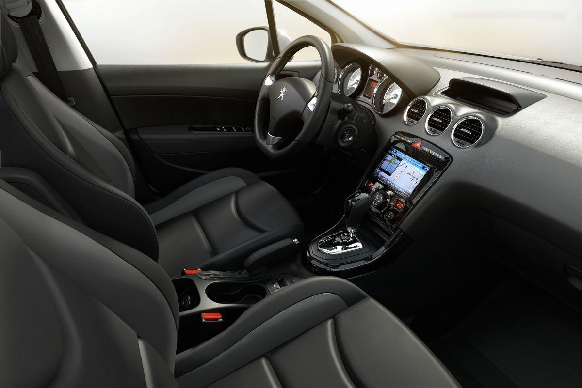 Peugeot_308_11