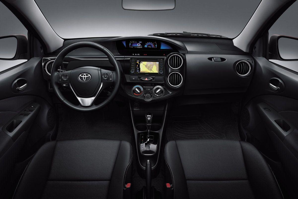 Toyota-Etios-Platinum-2016-4