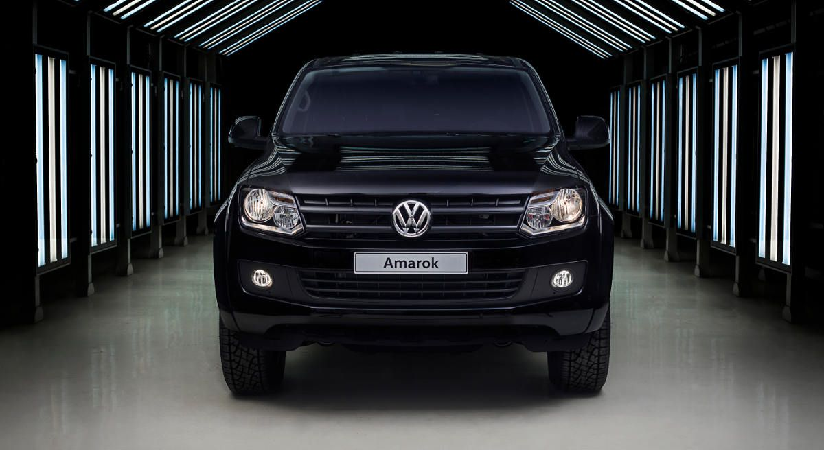 vw-amarok-black-edition-1