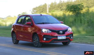 Toyota-Etios-Hatchback-prueba-15