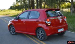 Toyota-Etios-Hatchback-prueba-22