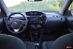 Toyota-Etios-Hatchback-prueba-26