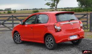 Toyota-Etios-Hatchback-prueba-9